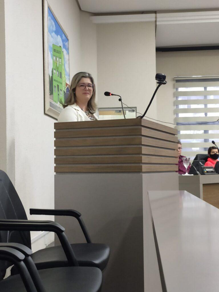 Vereadora sugere doação de alimentos junto à vacinação em Igrejinha