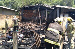 Incêndio que tirou a vida de duas crianças em Taquara pode ter começado através de brincadeira com isqueiro
