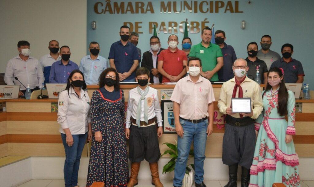 Vereadores de Parobé prestam homenagens a entidades do município